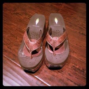 Volatile San Antonio wedge sandal brn 9